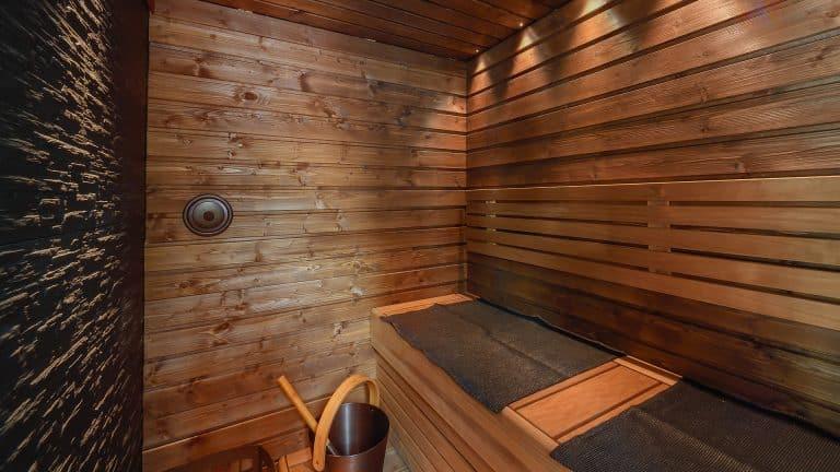 SAAGA-elämysmökki on saunallinen